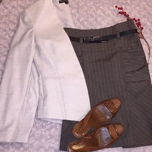 Dresses & Skirts - Simple brown skirt with belt size 3
